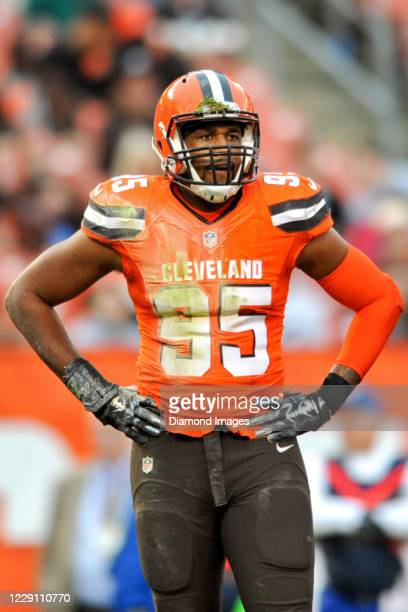 Defensive end Armonty Bryant of the Cleveland Browns on the field in the fourth quarter of a game against the San Francisco 49ers at FirstEnergy...