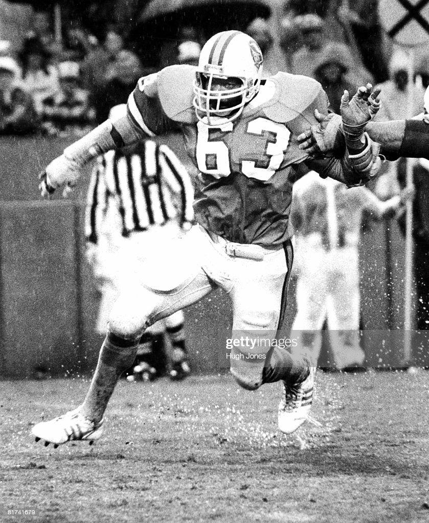 Kansas City Chiefs vs. Tampa Bay Buccaneers - December 16, 1979 : News Photo