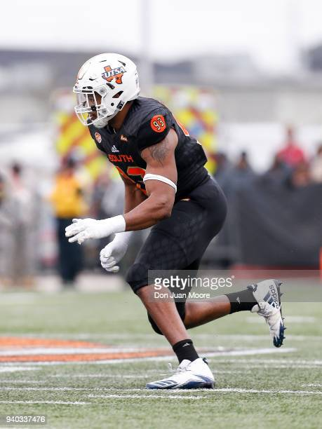 Defensive End Marcus Davenport of the TexasSan Antonio on the South Team runs during the 2018 Resse's Senior Bowl at LaddPeebles Stadium on January...