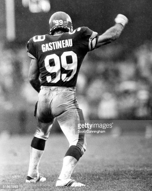 Defensive end Mark Gastineau of the New York Jets does a dance after getting a sack in a 27 to 21 loss to the Atlanta Falcons on