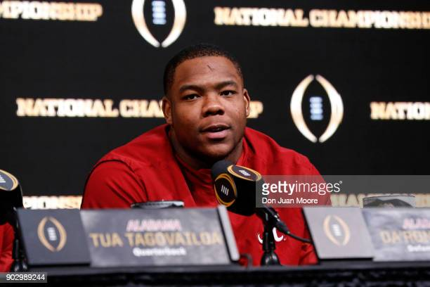 Defensive Line Da'Ron Payne of the Alabama Crimson Tide answer questions from the media during the College Football Playoff Champions News Conference...