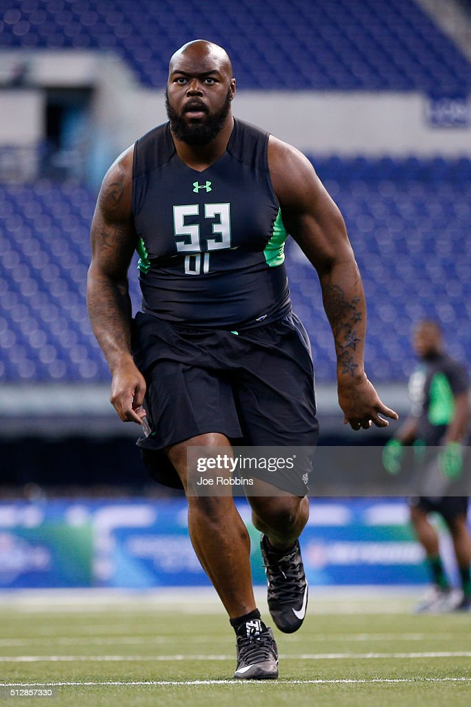 Defensive lineman A'Shawn Robinson of Alabama participates in a drill during the 2016 NFL Scouting Combine at Lucas Oil Stadium on February 28, 2016 in Indianapolis, Indiana.