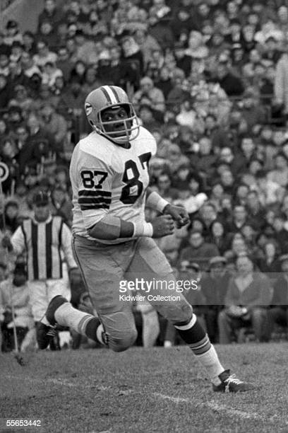 Defensive lineman Willie Davis of the Green Bay Packers during a game on November 5 1967 against the Baltimore Colts at Memorial Stadium in Baltimore...