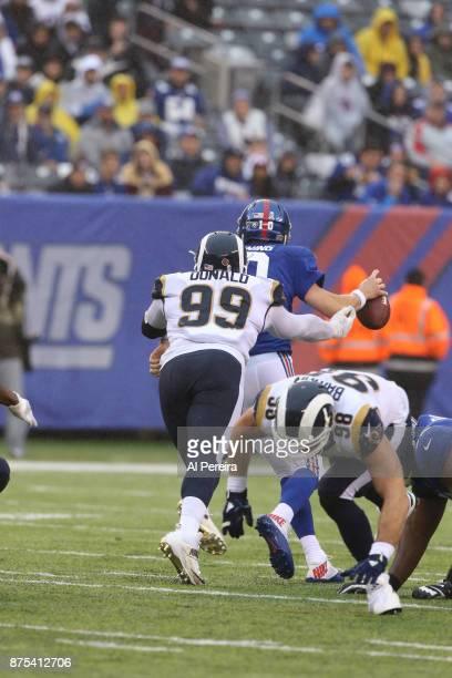 Defensive Tackle Aaron Donald of the Los Angeles Rams in action against the New York Giants at MetLife Stadium on November 5 2017 in East Rutherford...