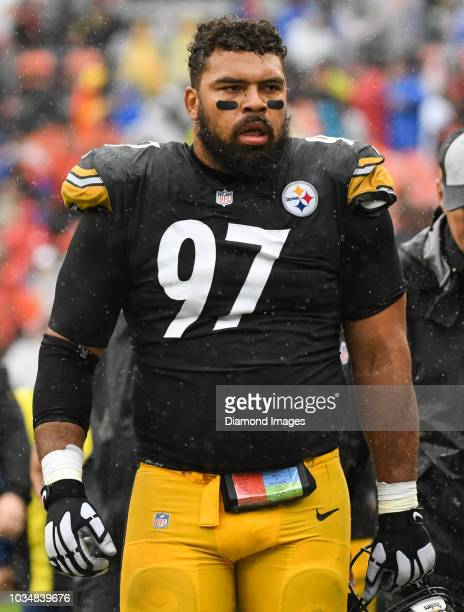 Defensive tackle Cameron Heyward of the Pittsburgh Steelers walks off the field for halftime of a game against the Cleveland Browns on September 9,...