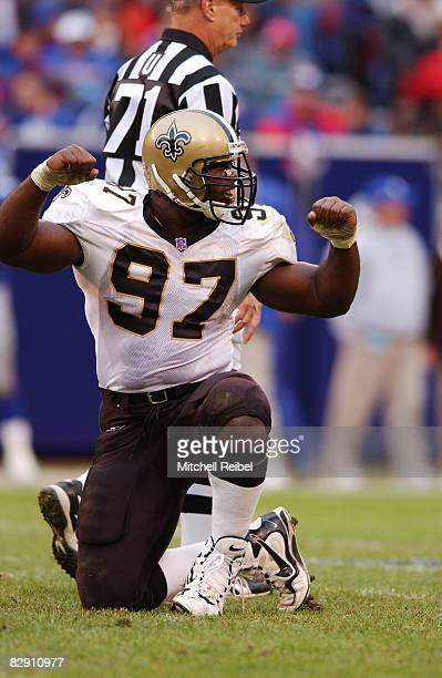 Defensive Tackle La'Roi Glover of the New Orleans Saints in game action againist the New York Giants The New York Giants went on to defeat the New...