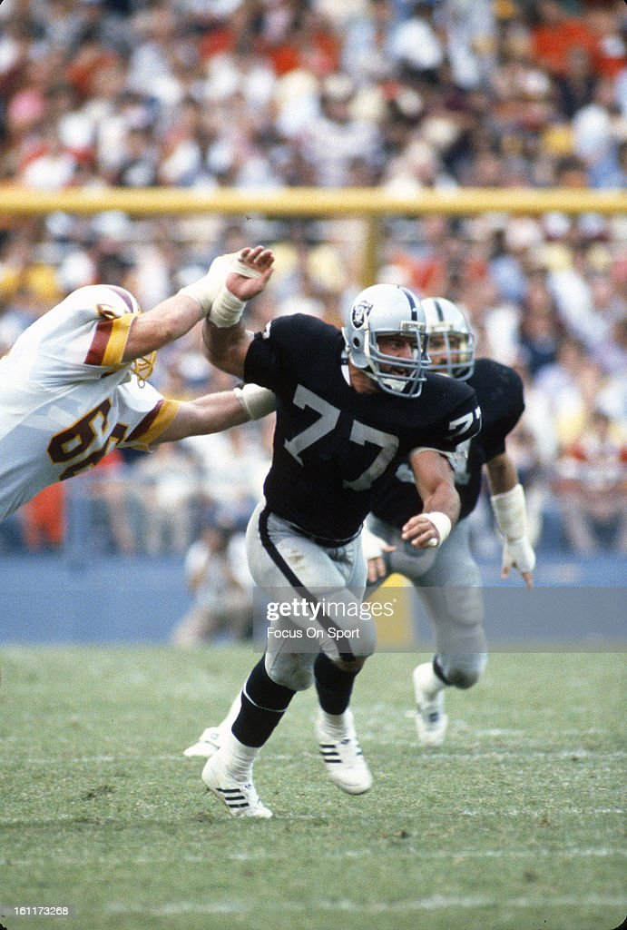 Los Angeles Raiders v Washington Redskins : News Photo