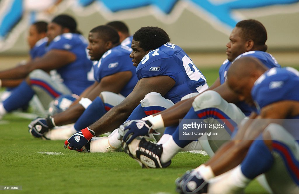 Defensive Tackle Martin Chase Of The New York Giants Warms Up With News Photo Getty Images