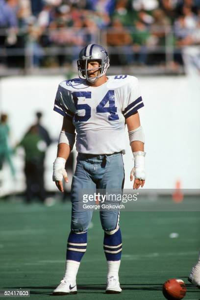 Defensive tackle Randy White of the Dallas Cowboys stands on the field during a 1980 NFL game against the Philadelphia Eagels at Veterans Stadium in...
