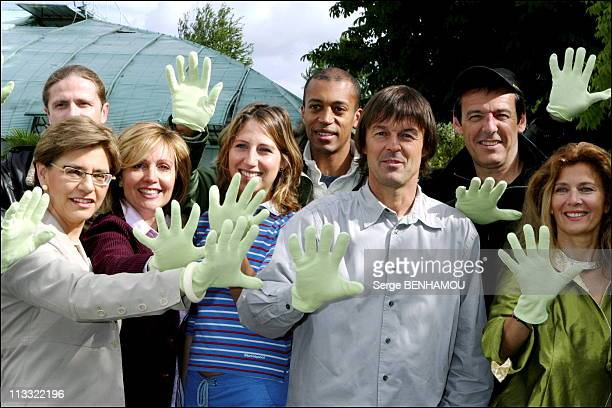 'Defi Pour La Terre' Press Conference With Nicolas Hulot In Paris On May 24Th 2006 In Paris France Here Michele Pappalardo Fabienne Amiach Maud...