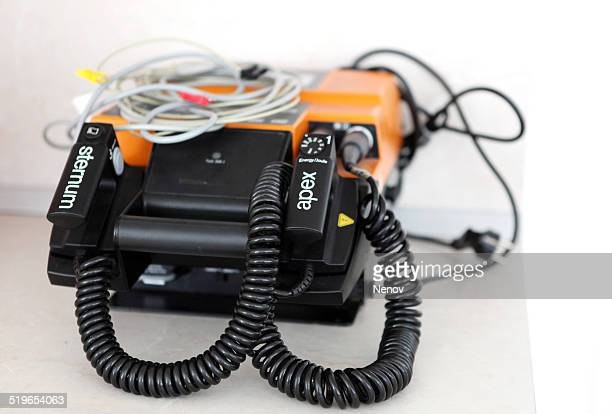 defibrillator - cardiac arrhythmia stock pictures, royalty-free photos & images