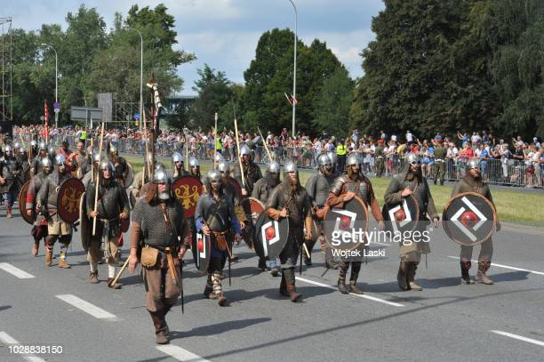 defilade-of-independence-on-the-occasion-of-the-polish-army-day-on-picture-id1028838150