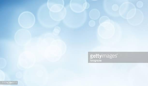 defocused lights background - hell beleuchtet stock-fotos und bilder