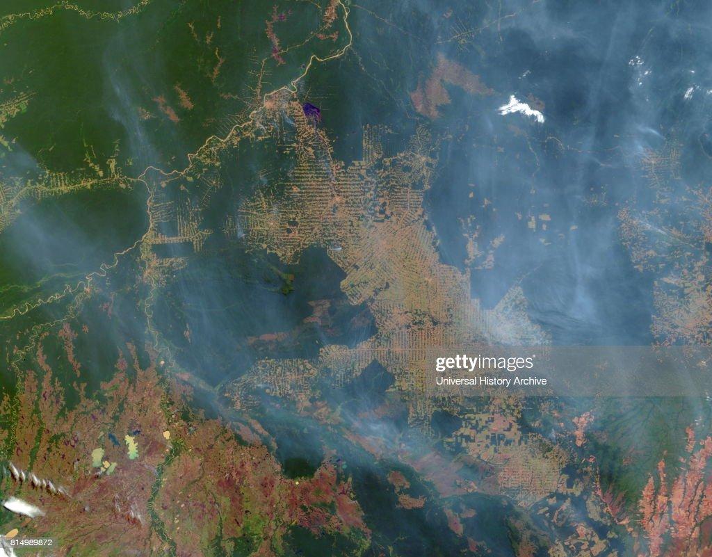 Deforestation of the Amazon rainforest at Rondonia, Brazil. : News Photo