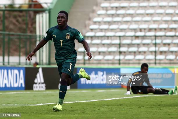 Degnand Gnonto of Italy celebrates a scored goal during the FIFA U17 Men's World Cup Brazil 2019 group F match Solomon Islands and Italy at Valmir...