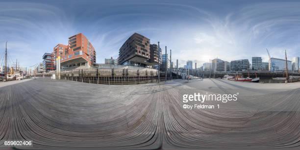 360 degree view at the port from hafencity - 360 degree view photos et images de collection