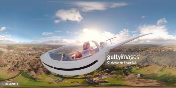 360 degree view from outside a glider - 360 degree view photos et images de collection