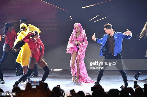 Dej lofe and Lil Mama perform onstage during the VH1 Hip Hop Honors All Hail The Queens at David Geffen Hall on July 11 2016 in New York City