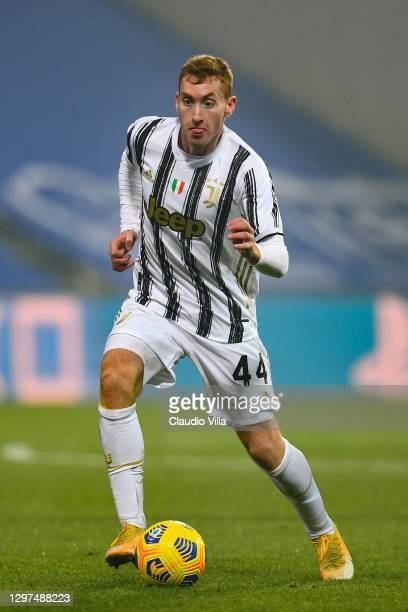 Dejan Kulusevski of Juventus runs with the ball during the Italian PS5 Supercup match between Juventus and SSC Napoli at Mapei Stadium - Citta' del...