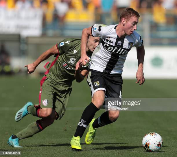 Dejan Kulusevski of Parma Calcio in action during the Serie A match between Parma Calcio and Cagliari Calcio at Stadio Ennio Tardini on September 15...