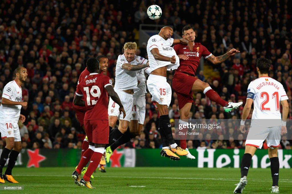 Liverpool FC v Sevilla FC - UEFA Champions League : ニュース写真