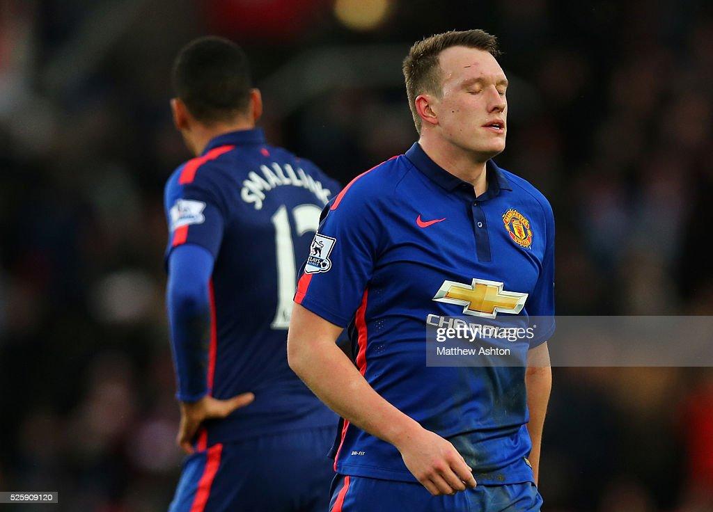 Soccer - Barclays Premier League - Stoke City vs. Manchester United : News Photo