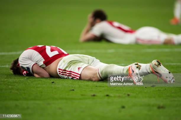 A dejected Frankie de Jong of Ajax Amsterdam reacts at full time during the UEFA Champions League Semi Final second leg match between Ajax and...