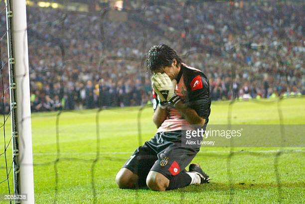 A dejected Gianluigi Buffon of Juventus FC during the UEFA Champions League Final match between Juventus FC and AC Milan on May 28 2003 at Old...