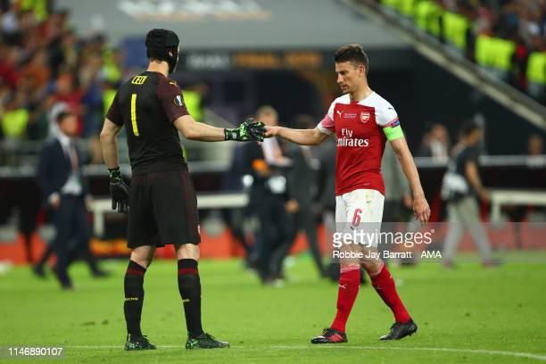 Dejected Petr Cech of Arsenal and Laurent Koscielny in the UEFA Europa League Final between Chelsea and Arsenal at Baku Olimpiya Stadionu on May 29,...