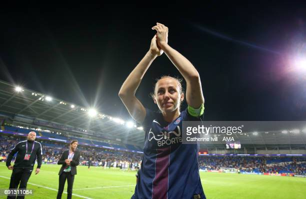 A dejected Sabrina Delannoy of PSG applauds the UEFA Women's Champions League Final match between Lyon and Paris Saint Germain at Cardiff City...