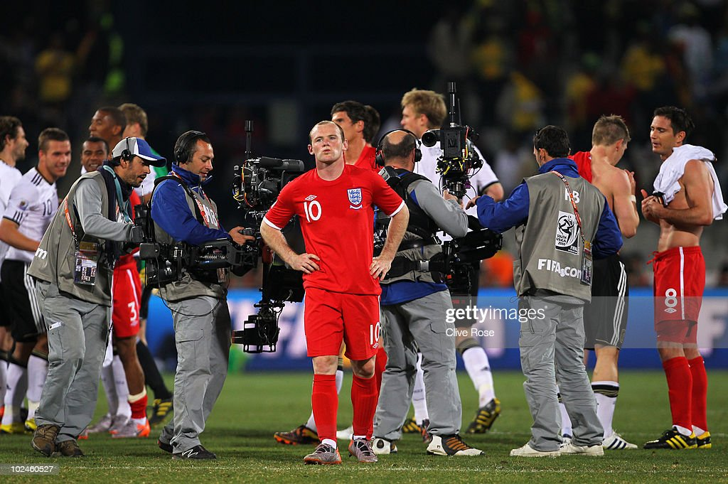 Germany v England: 2010 FIFA World Cup - Round of Sixteen : News Photo