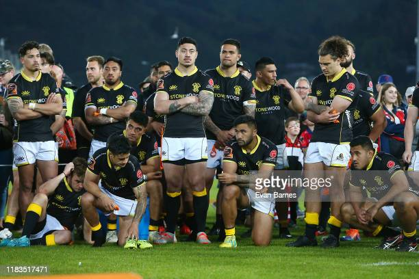 Dejected Wellington side after losing the Mitre 10 Cup during the Mitre 10 Cup Premiership Final between Tasman and Wellington at Trafalgar Park on...