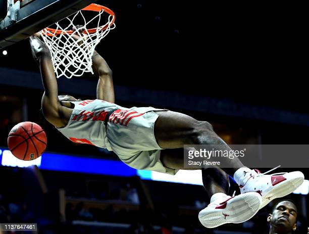 Dejon Jarreau of the Houston Cougars dunks the ball against the Georgia State Panthers during the first half in the first round game of the 2019 NCAA...