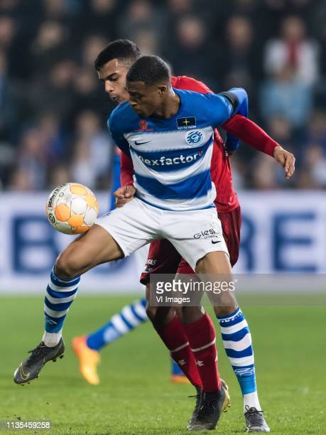 Delano Burgzorg of De Graafschap Owen Wijndal of AZ during the Dutch Eredivisie match between De Graafschap Doetinchem and AZ Alkmaar at De...