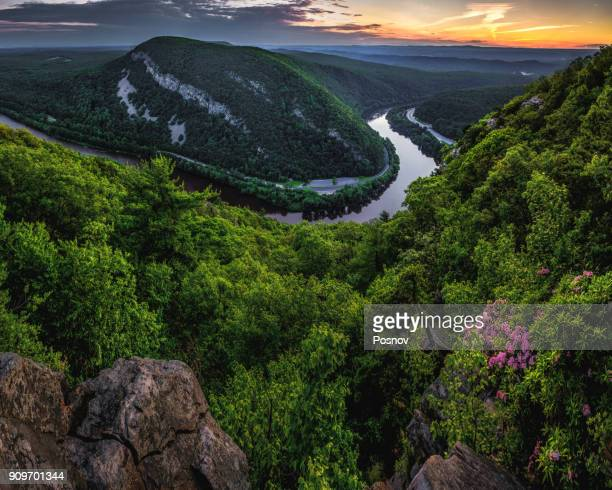 delaware water gap - pennsylvania stock pictures, royalty-free photos & images