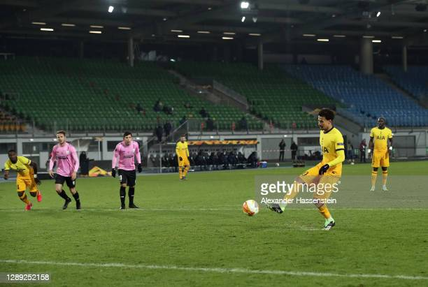 Dele Alli of Tottenham Hotspur scores their team's third goal during the UEFA Europa League Group J stage match between LASK and Tottenham Hotspur at...