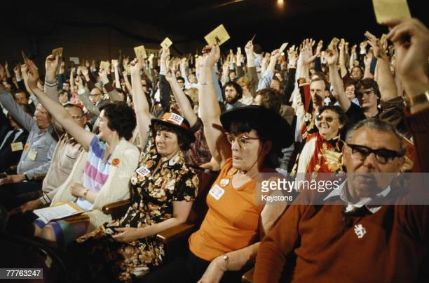 Delegates give a show of hands at the SDPLiberal Alliance conference at Llandudno Wales 1981