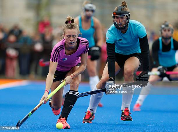 Delfina Merino of Argentina drives the ball during an International Friendly match between Argentina and Ireland at CenARD on July 24 2016 in Buenos...