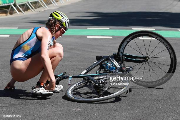 Delfina Orlandini of Argentina falls from her bike during the Women`s Triathlon Event at Green Park on October 07 2018 in Buenos Aires Argentina