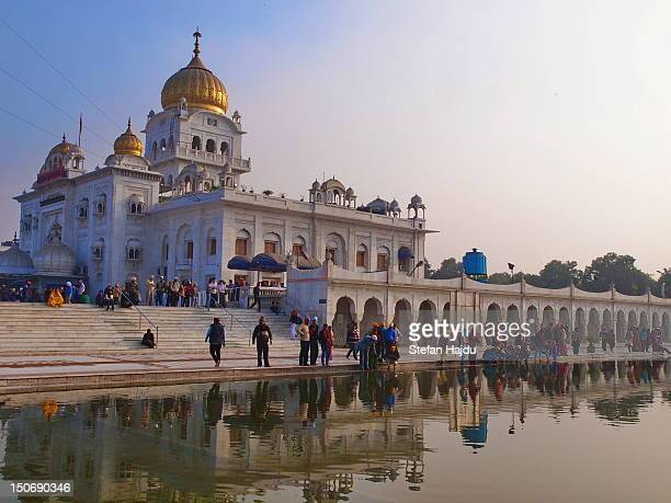 delhi, gurudwara sikh temple - delhi stock pictures, royalty-free photos & images