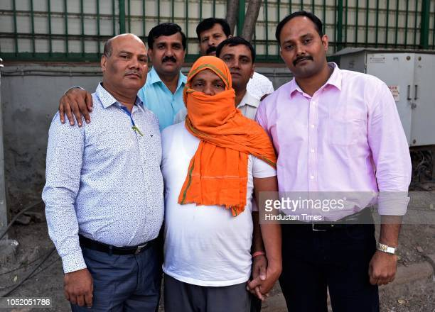 Delhi Police Crime Branch officials with Yogender Singh Bunty a rewarded criminal and mastermind of 'Fake Indian Territorial Army Recruitment Racket'...