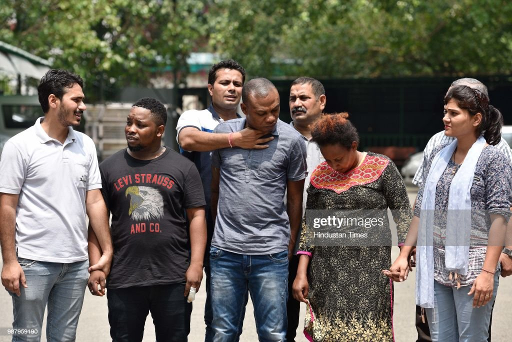 Delhi Police officials arrested 2 Nigerian nationals along with a