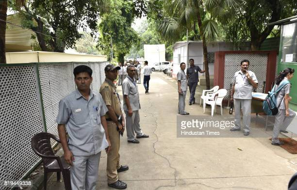 Delhi Police security officers reach 10 Akbar Road where NDA presidential candidate Ram Nath Kovind is waiting for election result on July 20 2017 in...