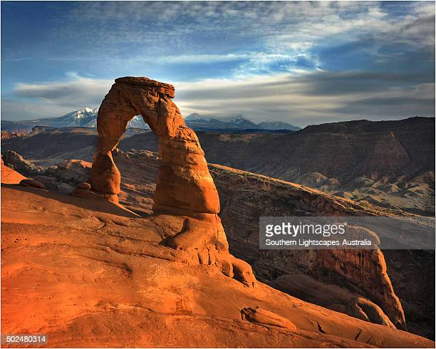 delicate arch, in the arches national park, utah. - delicate arch stock pictures, royalty-free photos & images
