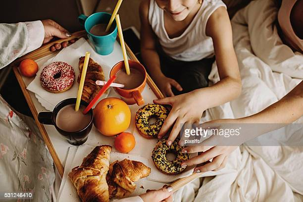 delicious breakfast - breakfast in bed stock pictures, royalty-free photos & images