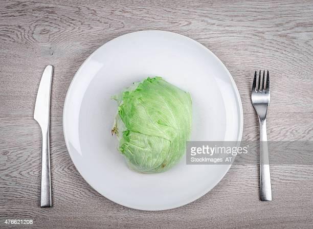 美味しいアイスバーグレタスのプレート