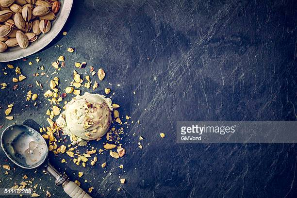 Köstliche Pistazien Eis auf einem Hintergrund