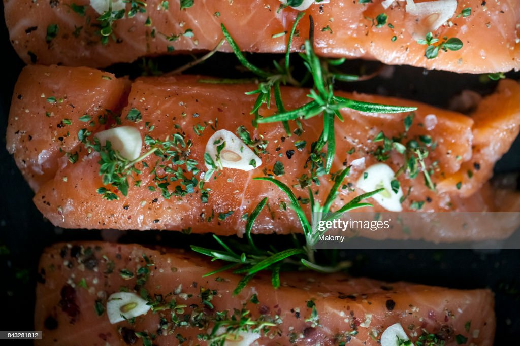 how to cook salmon fillet in pan