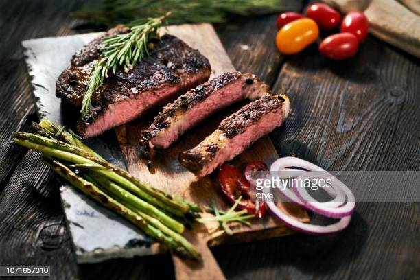 delicious sliced steak - steak stock pictures, royalty-free photos & images