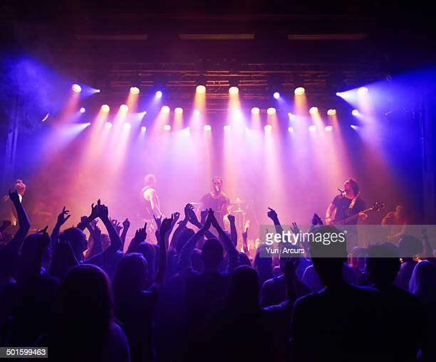 delighting their fans with sick beats - performance group stock pictures, royalty-free photos & images